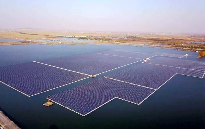 Floating floating photovoltaic power plant